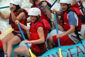 Apogee Adventures teen hiking trip - Rafting in New England